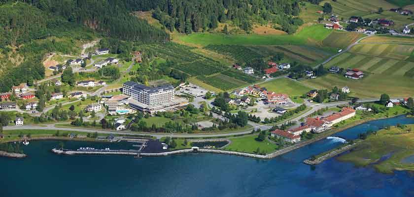 Alexandra-Loenfjord.jpg